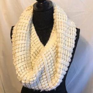 Chunky sweater infinity scarf 🧣